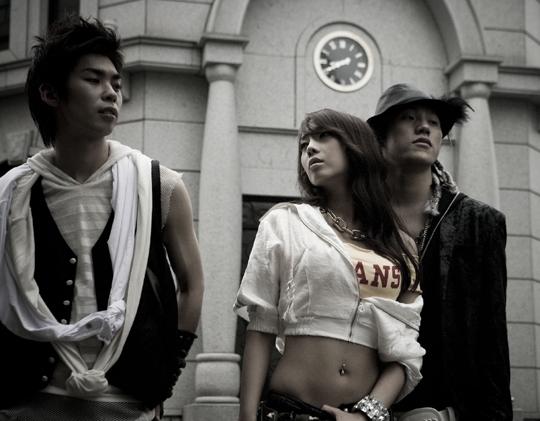 8eight... dari kiri: baek chan-joo hee-lee hyun