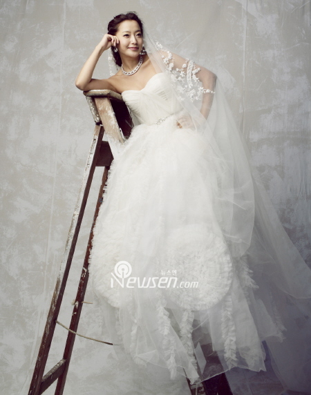 How Much Does It Cost To Have A Wedding Like Kim Hee Sun