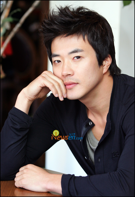 Kwon sang woo for Secretos en el jardin novela