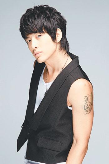 09 Kasım 1984 doğumlu olan se7en'ın gerçek ismi Choi Dong Wook (Choy Dong