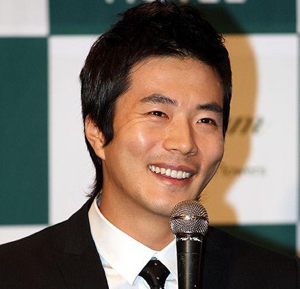 تقرير عن الممثل Kwon Sang Woo,أنيدرا