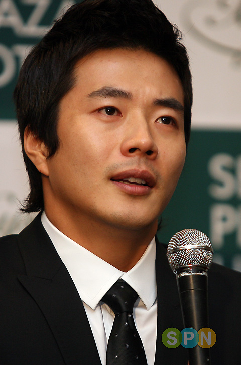 kwon sang woo. Kwon Sang-woo has suddenly