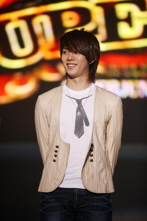 Tus mejores fotos - Página 2 Heechul-090104a