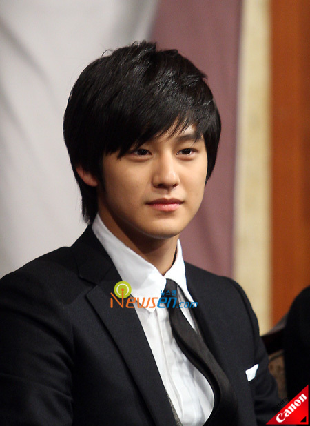 the f4 curse continues kim bum injured in another car
