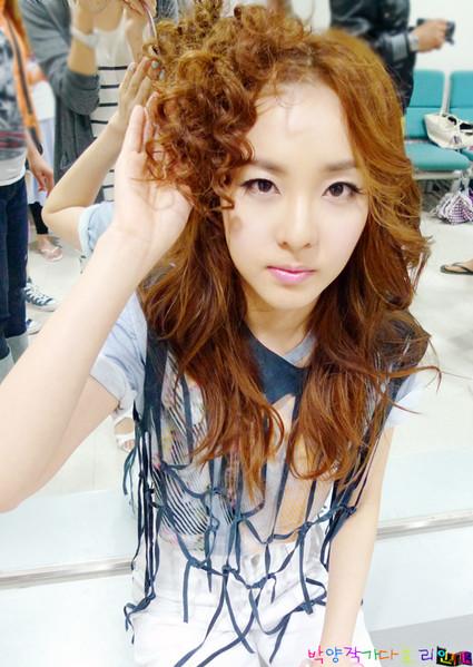 Tus fotos favoritas de Dara :) 2ne1_dara_20090725