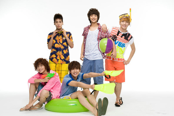 http://popseoul.files.wordpress.com/2009/08/shinee_20090812.jpg