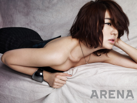 http://popseoul.files.wordpress.com/2009/11/arena_yooneunhye_091126_20_283_29.jpg