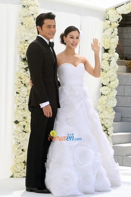 http://popseoul.files.wordpress.com/2010/05/jang-dong-gun_gosoyoung-e1272807357502.jpg?w=450&h=675